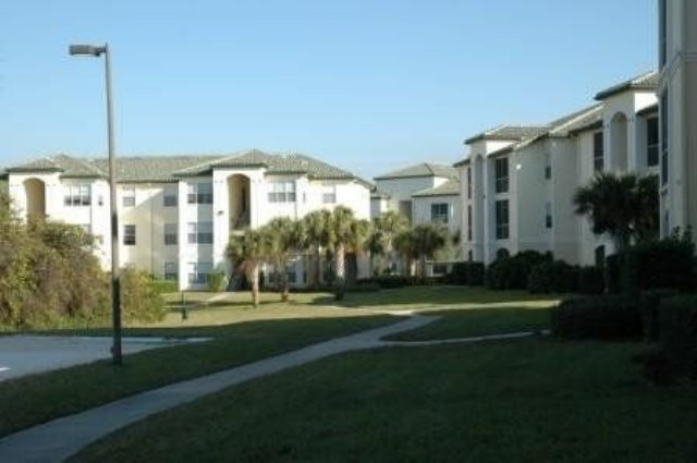 Condos for rent in the Disney World area - Legacy Dunes Grounds